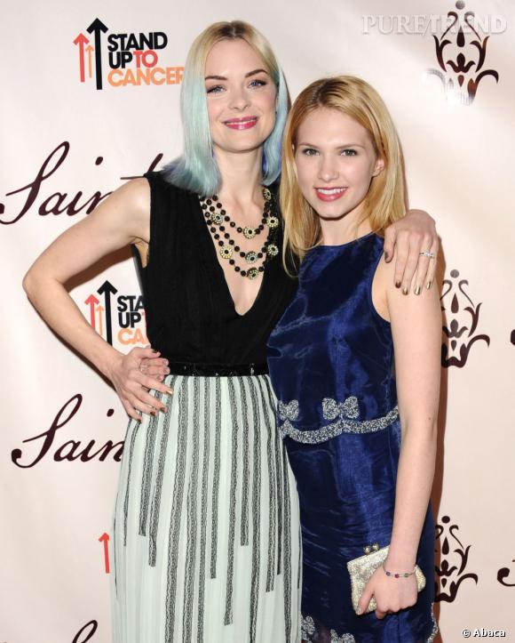 """Jaime King et Claudia Lee avec qui elle partage l'affiche de la série """"Hart of Dixie""""."""