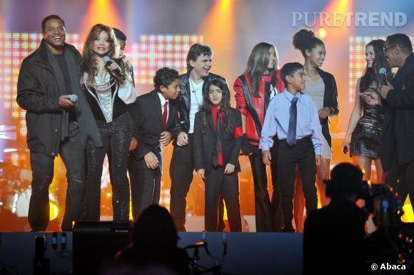 Prince Michael Jr, Blanket et Paris Jackson entourés de leurs oncles et tantes.