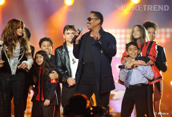 La famille Jackson rend hommage au King of Pop en 2011.