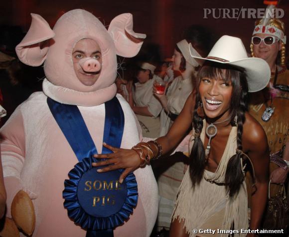 En 2005 :  Marc Jacobs se lache, il est le roi des fêtes costumées.