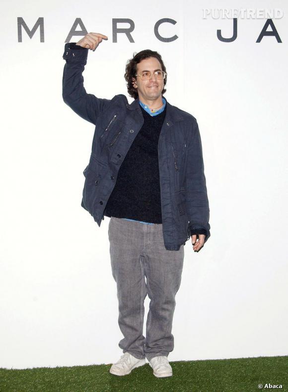 En 2005 :  Si le succès est au rendez-vous pour le créateur, question style on repassera...