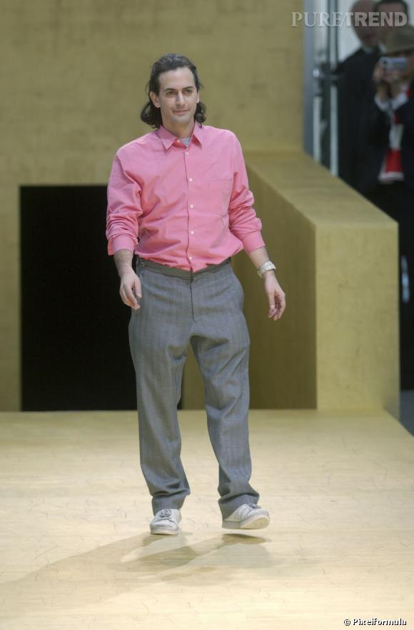 En 2002 :  Marc Jacobs c'est encore un style personnel approximatif, on est bien loin du sex-symbol.