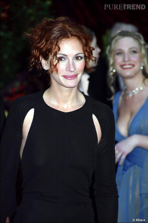 Avec cette couleur plus tranchée et le même chignon flou, l'actrice realise un sans-faute.