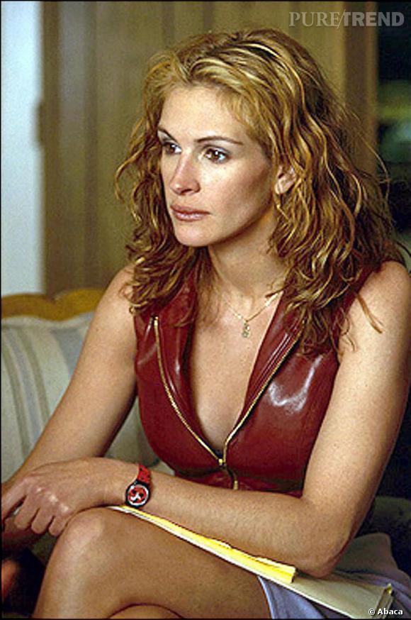Dans le film  Erin Brokovitch , Julia Roberts atteint des sommets de sex appeal avec ses ondulations blondes et rousses.