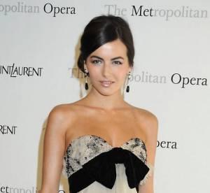 Camilla Belle vs Chloe Moretz : la robe de bal Yves Saint Laurent
