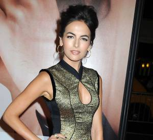 Camilla Belle VS podium : La robe métallique Jason Wu