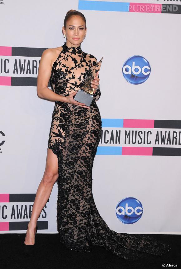 Jennifer Lopez maîtrise la pose comme une pro.