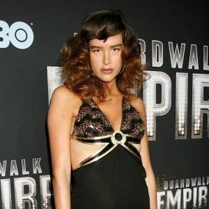 """Paz de la Huerta joue les effeuilleuses dans """"Boardwalk Empire""""."""