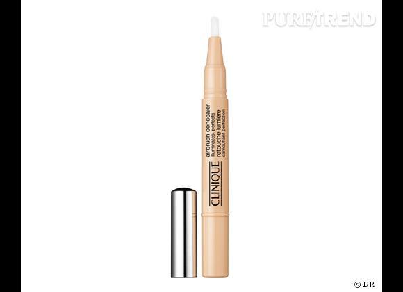 Airbrush Concealer, Retouche lumière de Clinique, 25,50 €.