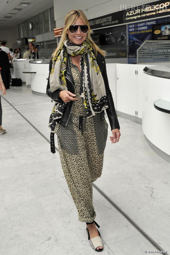 Heidi Klum arrive à l'aéroport de Nice le 23 mai.