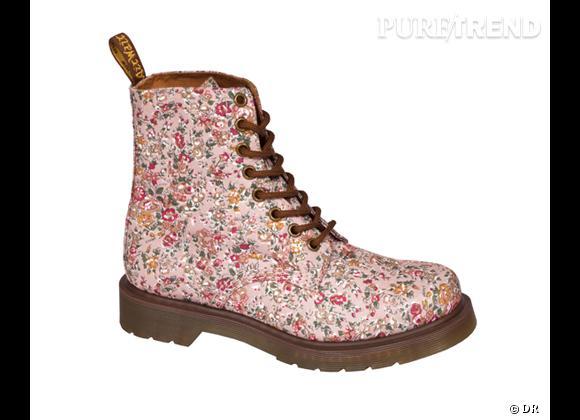 Le must have de Marine   Dr Martens fleuri Pink Meadow, 129 €