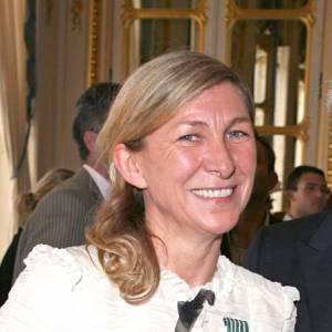 Odile Gilbert en compagnie de Karl Lagerfeld lors de sa remise des insignes de Chevalier des Arts et des Lettres.