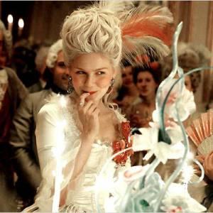 Une des créations d'Odile Gilbert pour le film Marie-Antoinette. Un délice capillaire.