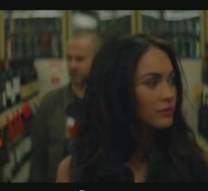 Eminem et Rihanna - Love the way you lie avec Megan Fox et Dominic Monaghan.
