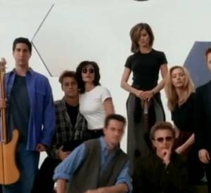 "The Rembrandts - I'll be there for you"" avec les acteurs de ""Friends"" : Jennifer Aniston (Rachel), Courteney Cox Arquette (Monica), Lisa Kudrow (Phoebe), Matt LeBlanc (Joey), Matthew Perry (Chandler) et David Schwimmer (Ross)."
