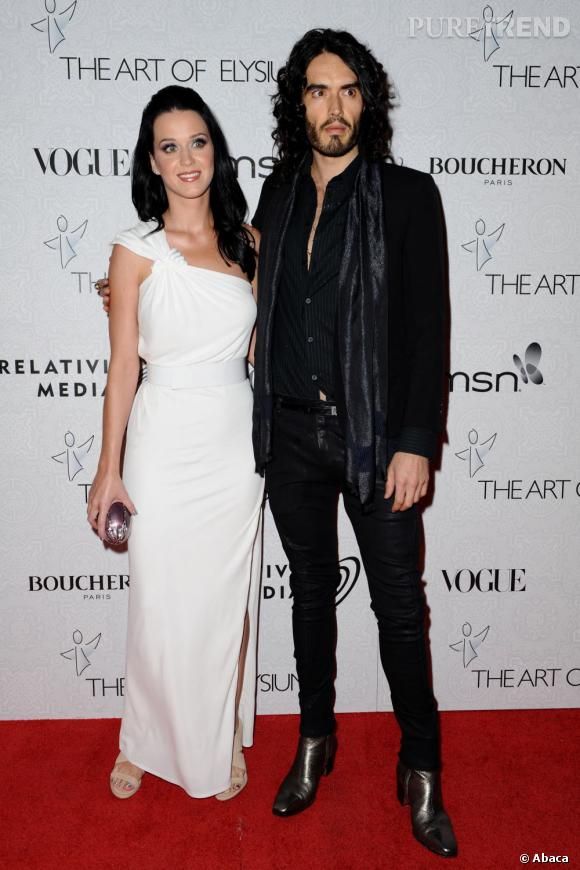 Leur meilleur look ? Le plus simple ! Katy Perry se la joue déesse virginale, tandis que Russell calme un peu le jeu en noir.
