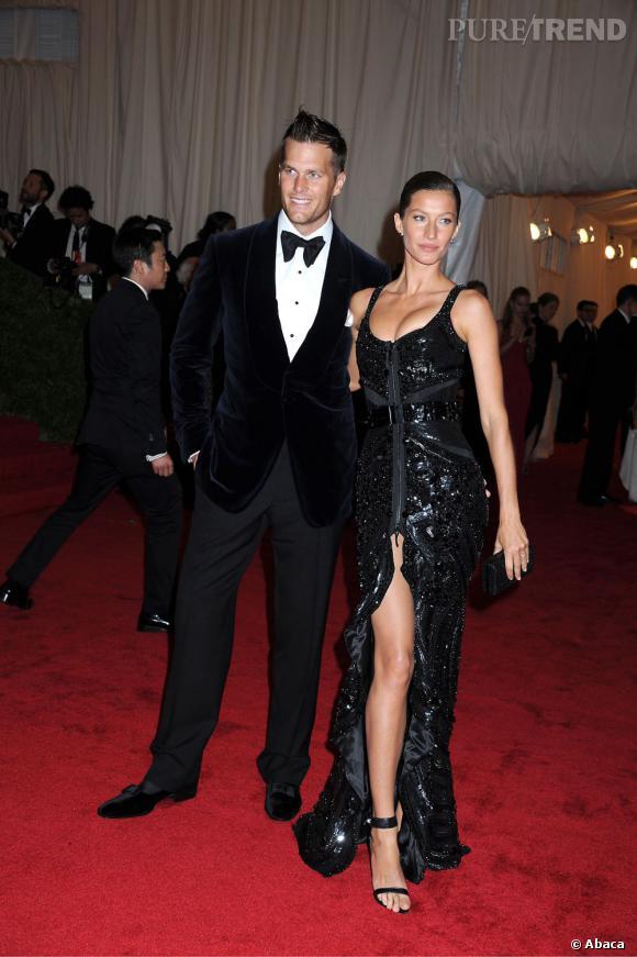 Gisèle Bundchen et son mari Tom Brady. Mariés depuis le 26 février 2009 dans une église de Santa Monica, ils filent le parfait amour et attendent leur second enfant.