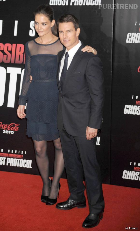 Katie Holmes suit Tom Cruise sur tous les red carpet du monde.