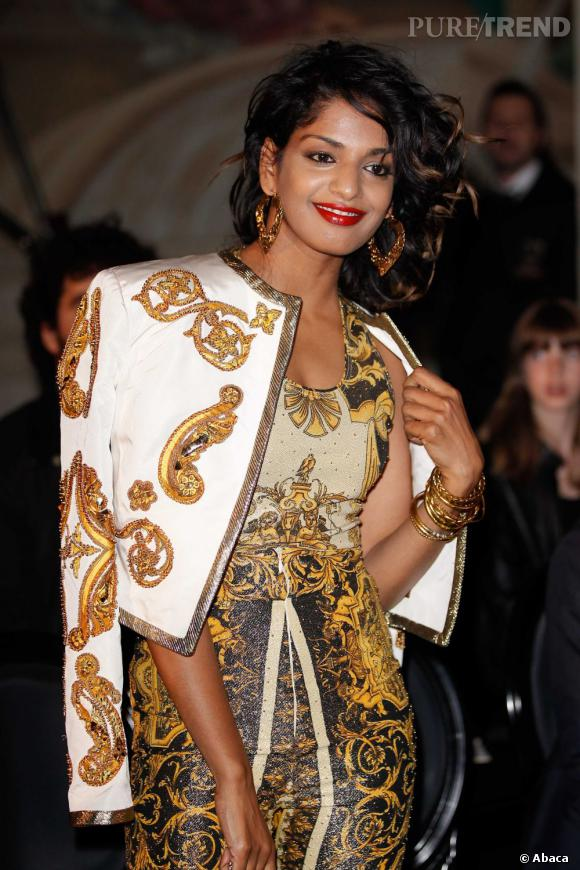 M.I.A. au défilé Versace Haute Couture Automne-Hiver 2012/2013 à Paris.