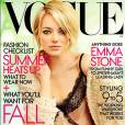 En juillet, c'est dans une tenue beaucoup plus dénudée que l'actrice avait posé pour le Vogue américain.