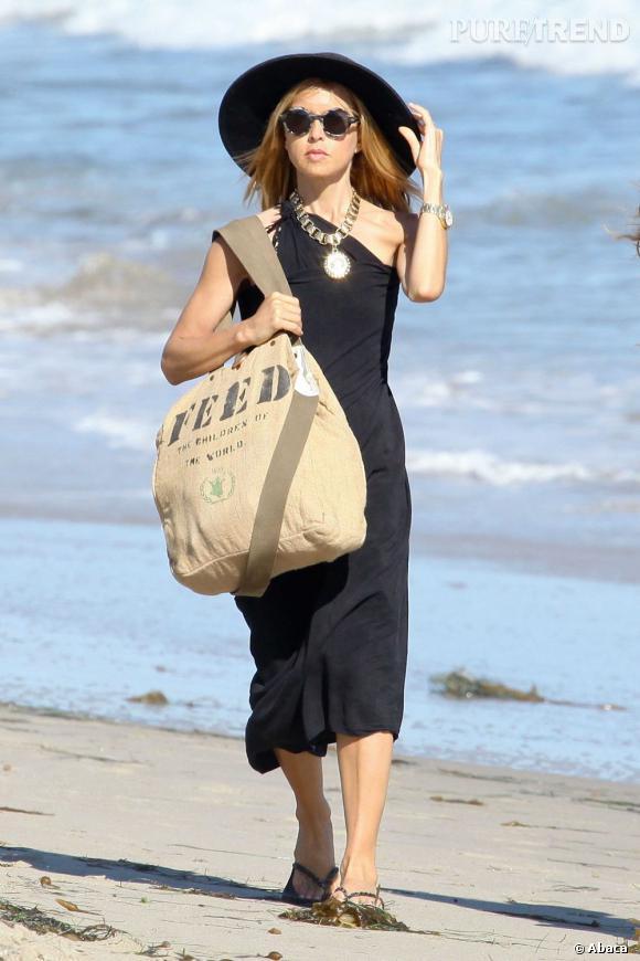 Rachel Zoe à la plage à Los Angeles.