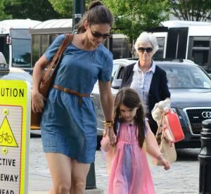 Katie Holmes : balade en famille avec Suri et sa mère apres la tempête du divorce