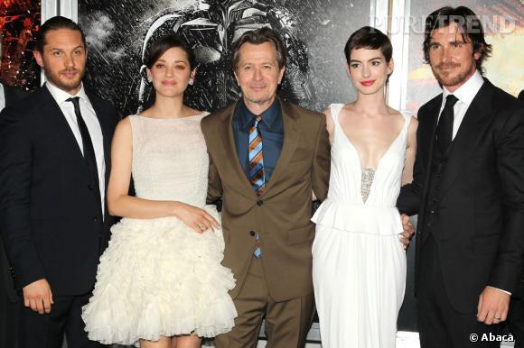 Tom Hardy, Marion Cotillard, Gary Oldman, Anne Hathaway et Christian Bale prennent la pose à New York.