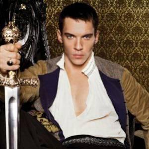 Glacial et aussi séducteur que dangeureux, Jonathan Rhys Meyers a incarné Henri VIII dans la série Les Tudors.