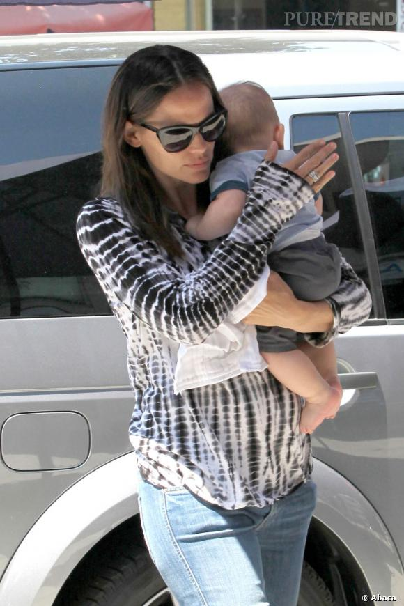 Jennifer Garner et son fils Samuel dans les rues de Los Angeles.
