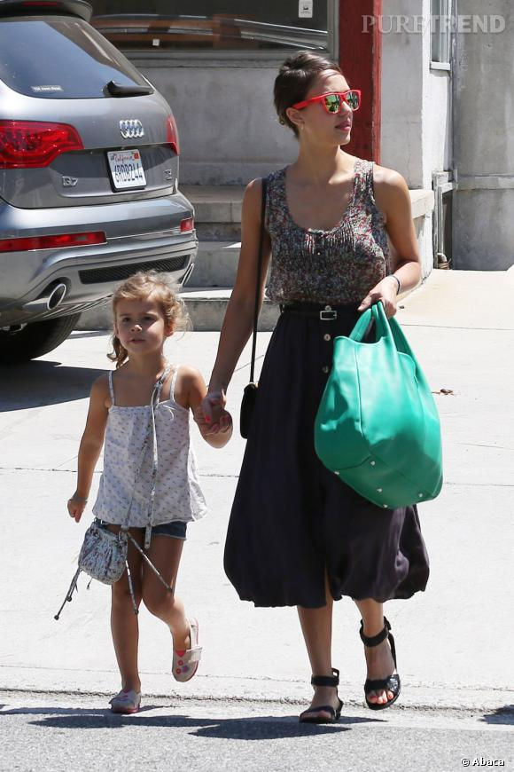 Jessica Alba, maman tendance à Los Angeles