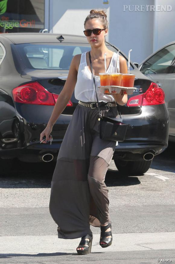 Jessica Alba, la fiabilité : celle qui aime choyer ses employés ne fait pas les chose à moitié et apporte pour tout le monde des boissons.