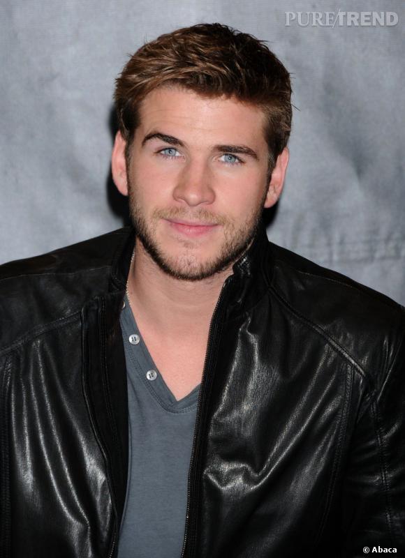 Liam Hemsworth parle de la coupe de Miley Cyrus.