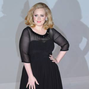 Adele est, selon plusieurs magazines, déjà à l'hôpital, prête à accoucher.