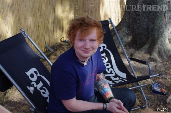 Artiste solo masculin de l'année, Ed Sheeran a chanté en sweat à capuche lors de la cérémonie de clôture des jeux olympiques. Mais attention, il reste un jeune homme de 21 ans comme les autres addict à Twitter et qui aime les chips au fromage.