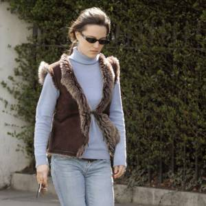 Le pire de Pippa Middleton : Le gilet sans manche cow boy juxtaposé sur un col roulé. On dit non !