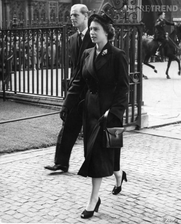 Le meilleur de la Reine Elizabeth :  Célèbre pour ses looks résolument moderne dès les années 50, la Reine Elizabeth s'est tout de suite imposé comme une figure mode et chic. La preuve en image.