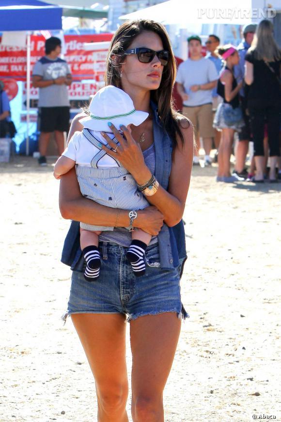 Alessandra Ambrosio en famille à Malibu.