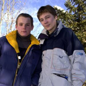 Paul Dano à peine âgé de 18 ans, en tenue de ski.