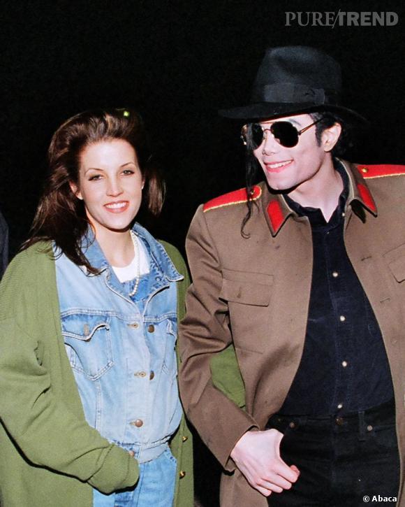 """Le roi de la pop qui épouse la fille du roi du rock'n'roll ? C'était trop beau pour être vrai. Beaucoup affirment que c'était un mariage arrangé par la Scientologie, pour """"protéger"""" l'image de Michael Jackson. A croire que l'homosexualité n'était pas très bien vue à l'époque."""