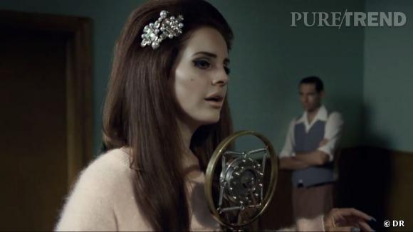"Lana Del Rey, ""Blue Velvet"" pour H&M."