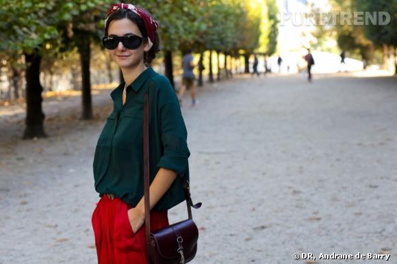 Le foulard Hermès  revisité en bandana pour une touche 90's chic