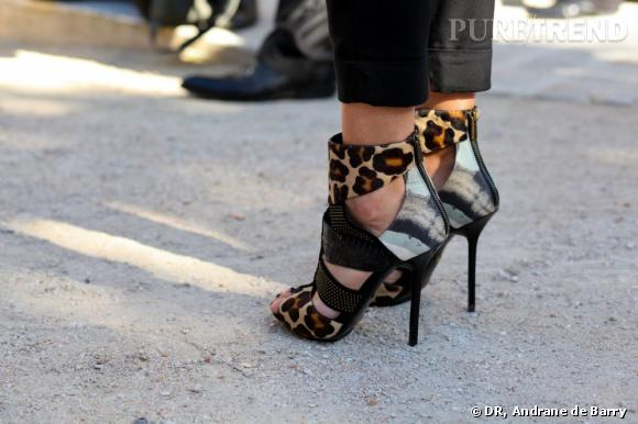 La Fashion Week de Paris est une jungle, encore plus en sandales Emilio Pucci.