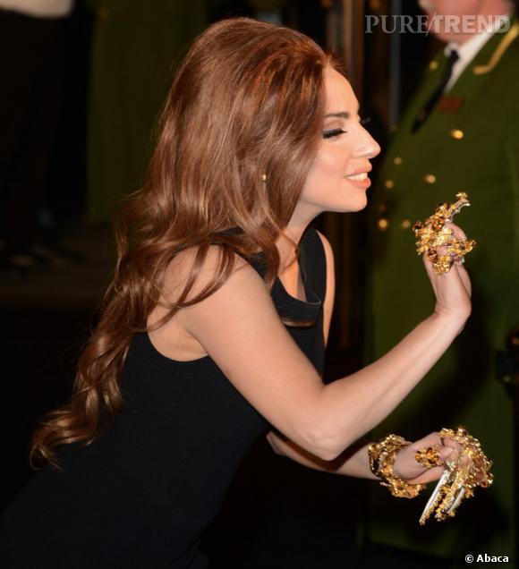 Lady Gaga et ses bijoux tout sauf discrets.