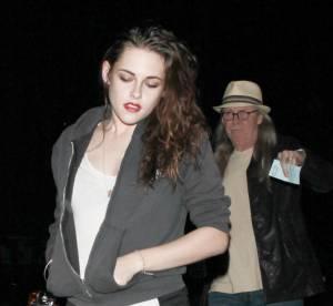 Kristen Stewart : poom poom short sexy pour le concert de Florence + The Machine avec son père