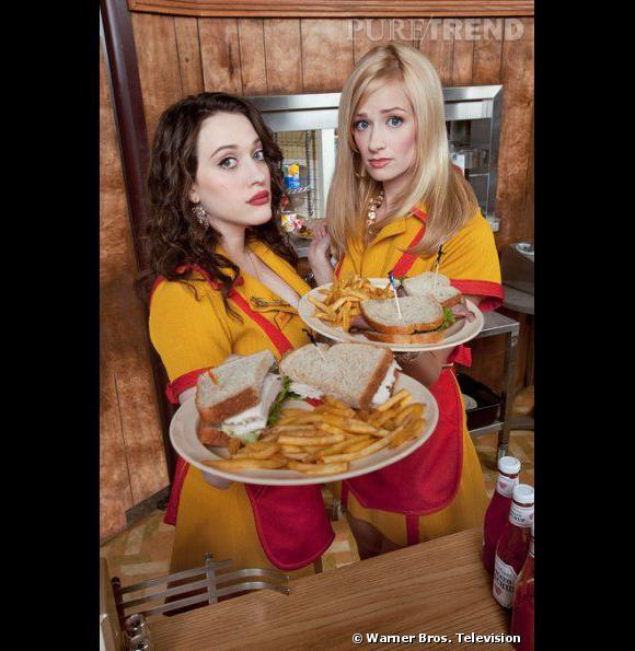 """Max Black (à gauche) et Caroline Channings (à droite), les deux héroines de """"2 Broke Girls""""."""