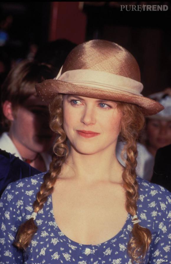 1993 : On ne s'explique pas cette coiffure et ce look de petite Heidi sur le tapis rouge. Nicole Kidman, à 26 ans, il est temps d'oublier les couettes, non ?