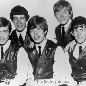 C'est en 1962 que la légende Rolling Stones commence. A l'époque le groupe est composé de Charlie Watts, Bill Wyman, Mick Jagger, Brian Jones, Keith Richards.