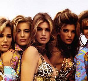 Cindy Crawford tweete la tenue de la honte, du Versace !
