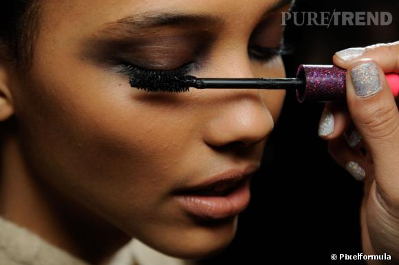 Comment adopter le mascara prune ?