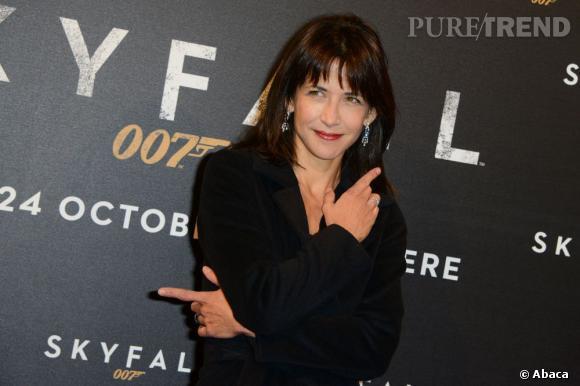 """Sophie Marceau à l'avant-première de """"Skyfall"""" à Paris."""